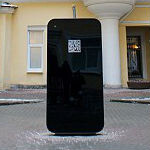 Apple fans step up in Russia unveiling interactive iPhone 5-shaped memorial to Steve Jobs