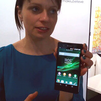 Sony Xperia Z gets an impromptu drop test, captured on video