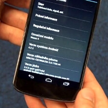 Nexus 4 caught running Android 4.2.2 again, this time on video