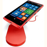 DIY: Nokia Lumia 920 owner makes his own car wireless charger