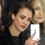 Jessica Alba spotted with white Nokia Lumia 920