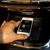 World's first in-car wireless phone charger by Denso is what powers the new Toyota Avalon's eBin tray