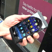 BlackBerry Z10 drop test is out – pavement wins