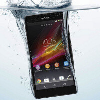 Sony Xperia Z can be used as an underwater cam, watch it film inside a swimming pool