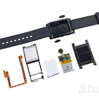 Pebble smartwatch torn down: virtually impossible to repair, but tough
