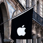 EU regulators examining Apple's contracts with European carriers