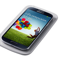 Samsung Galaxy S4 wireless charging back cover and dock images leak out