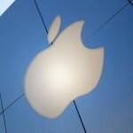 Depite stock fall, Apple is slowly regaining public confidence