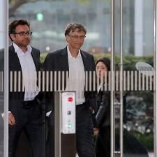 Microsoft and Google pay visits to Samsung