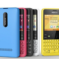 Full QWERTY Nokia Asha 210 arrives in color