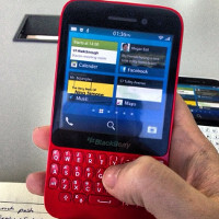 BlackBerry R10 leaks out in gesture control tutorial video