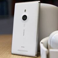 Five free Nokia Lumia 925 smartphones await their new owners
