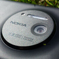 Nokia EOS leaks out once again, posing next to a Lumia 920 and it's hard to tell the difference