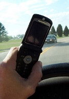 Most Americans do not support full ban of cellphone use while driving