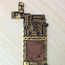 Alleged iPhone 5S motherboard shows up, A7 processor nowhere to be seen