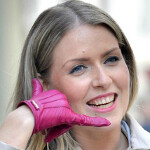 Bluetooth supported glove phone is the latest in wearable technology