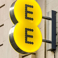 U.K.'s EE now offers 'Double Speed' 4G LTE in a dozen markets