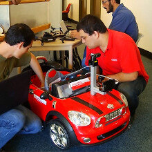 Big accessories: researchers create a self-driving car guided only by a Galaxy S II