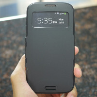 Spigen Slim Armor View Case for the Samsung Galaxy S4 hands-on