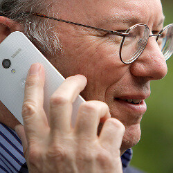 Google's Eric Schmidt photographed using Motorola Moto X