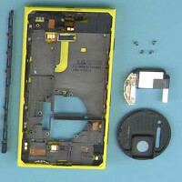 Nokia tears down Lumia 1020