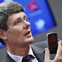 BlackBerry CEO Heins not happy with how long it takes carriers to update OS
