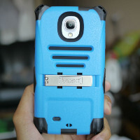 Trident Kraken A.M.S. Samsung Galaxy S4 case hands-on