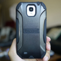 Trident Aegis Samsung Galaxy S4 case hands-on