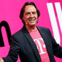 T-Mobile continues to rip AT&T in full page USAToday ad on Tuesday