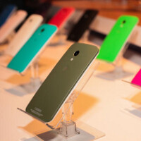 T-Mobile: We won't sell the Motorola Moto X in our stores at first