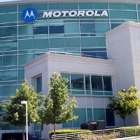 Google considers giving Motorola the responsibility of producing future Google Glass models