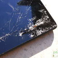 2013 Google Nexus 7 tablet gets drop test treatment, dies