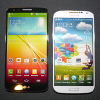 LG G2 vs Samsung Galaxy S4: first look