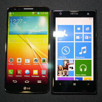 LG G2 vs Nokia Lumia 1020: first look