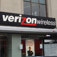 While rival carriers aren't happy, the Canadian government welcomes Verizon with open arms