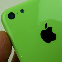 See the glossy green iPhone 5C chassis snapped from all sides in high resolution