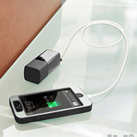 3000mAh portable battery pack doubles as a wall charger for smartphones and tablets
