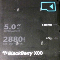 BlackBerry Z30 faces off against the Nokia Lumia 925, reveals some specs