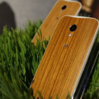 Motorola website source code suggests a wood-backed Moto X could cost $50 extra