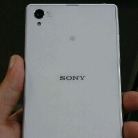 New snaps of the white Sony Xperia Z1 (aka Honami) caught in the wild