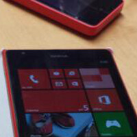 Is this the Nokia Lumia 1520 phablet snapped next to the Nokia Lumia 1020?