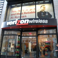 Verizon Communications close to deal to buy 45% stake in Verizon Wireless