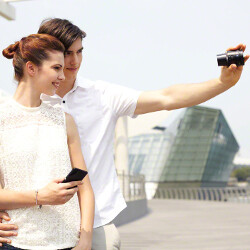 Sony QX10 and QX100 lens modules official: turn your smartphone into top-shelf camera