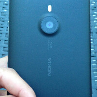 New snapshots of Nokia Lumia 1520 put it side by side with Sony Xperia Z