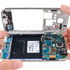 2013 Smartphone Repairability Index: Galaxy S4 gets 8/10, HTC One at the bottom