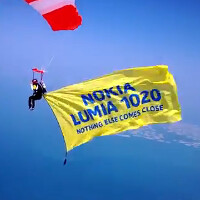 Watch as the Nokia Lumia 1020 parachutes into Dubai
