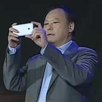 HTC CEO Peter Chou hands over some of his duties to chairwoman Cher Wang