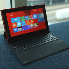 Verizon also getting the outdoor-friendly Nokia Lumia 2520 tablet