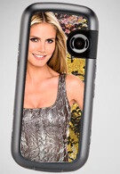 Heidi Klum pimps the LG Rumor2