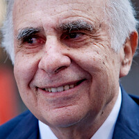 Former corporate raider Icahn now owns $2 billion of Apple's stock